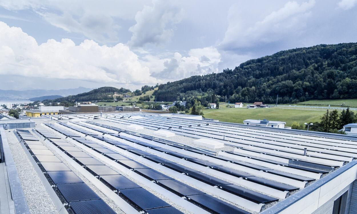 ewh-solaranlage-schule-dach